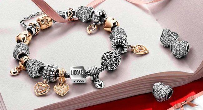 Pandora: история любимого бренда!
